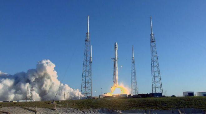 SpaceX pone en órbita el primer satélite de telecomunicaciones de Bangladesh