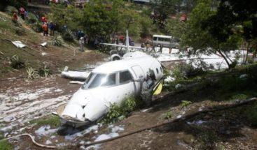 Se estrella avioneta de EEUU en aeropuerto de Honduras con 9 pasajeros