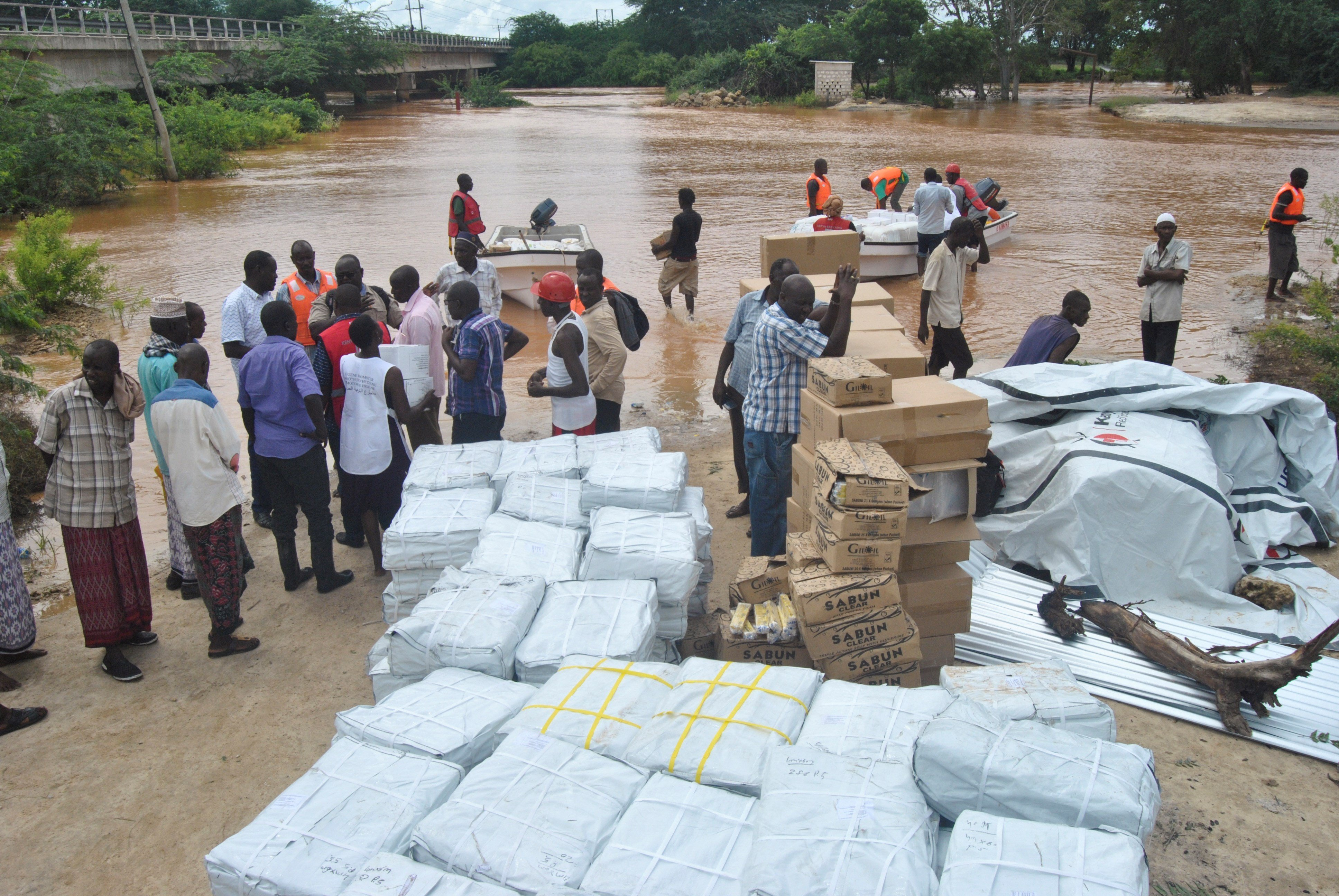 La represa que reventó en Kenia era ilegal, según las autoridades