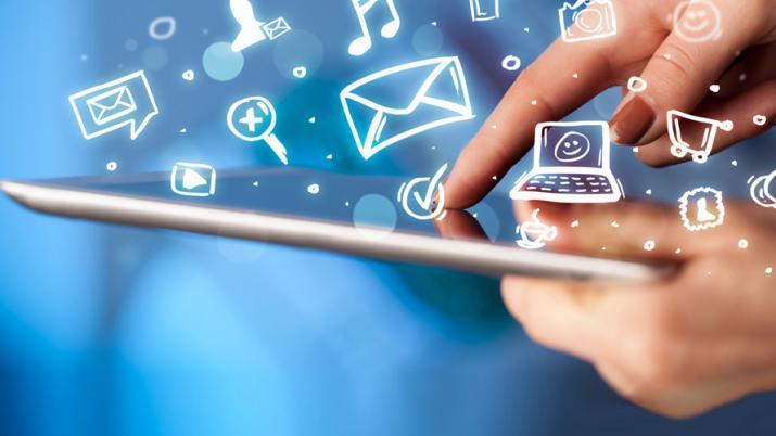 Internet celebra su Día Mundial con su neutralidad en riesgo y datos al alza