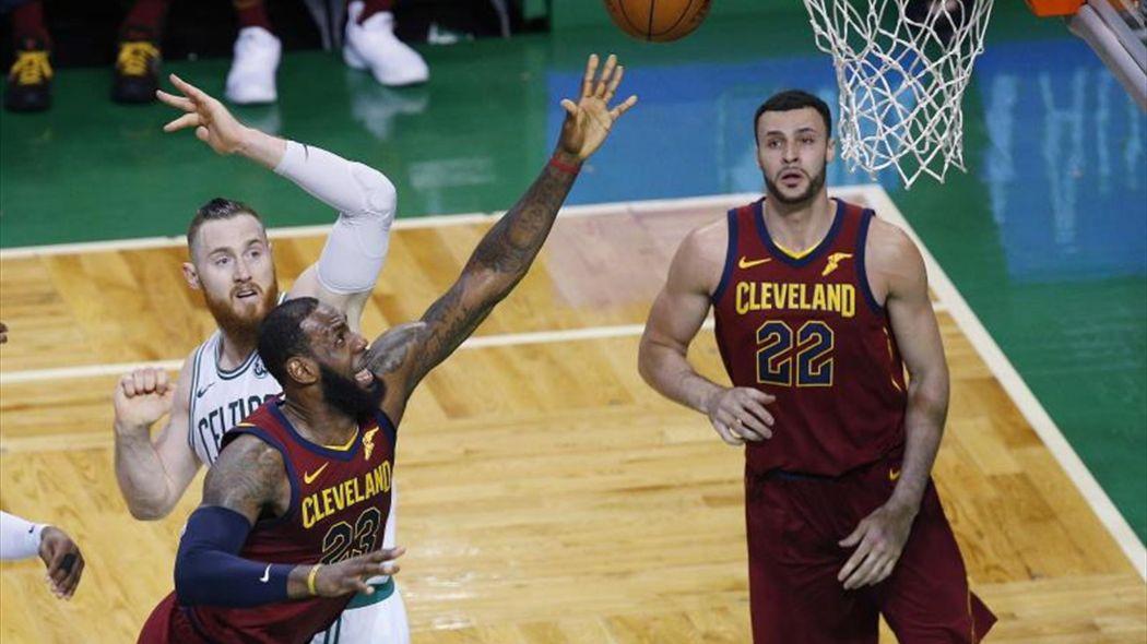 James y Cavaliers saben que están contra las cuerdas, pero no eliminados