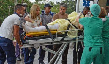 Tres supervivientes de avión accidentado siguen en estado