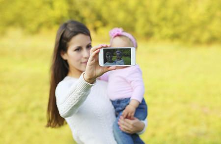 Piénsalo dos veces antes de publicar fotos de tus bebés en las redes