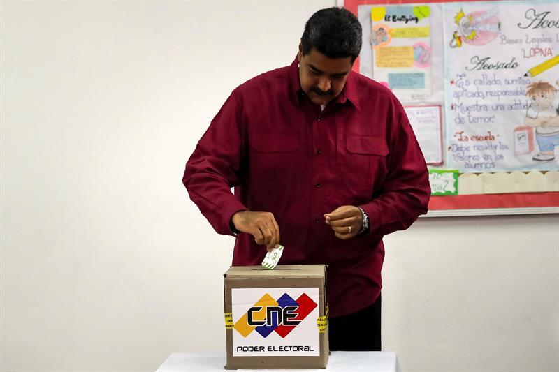 Abren los centros de votación para cuestionadas presidenciales venezolanas
