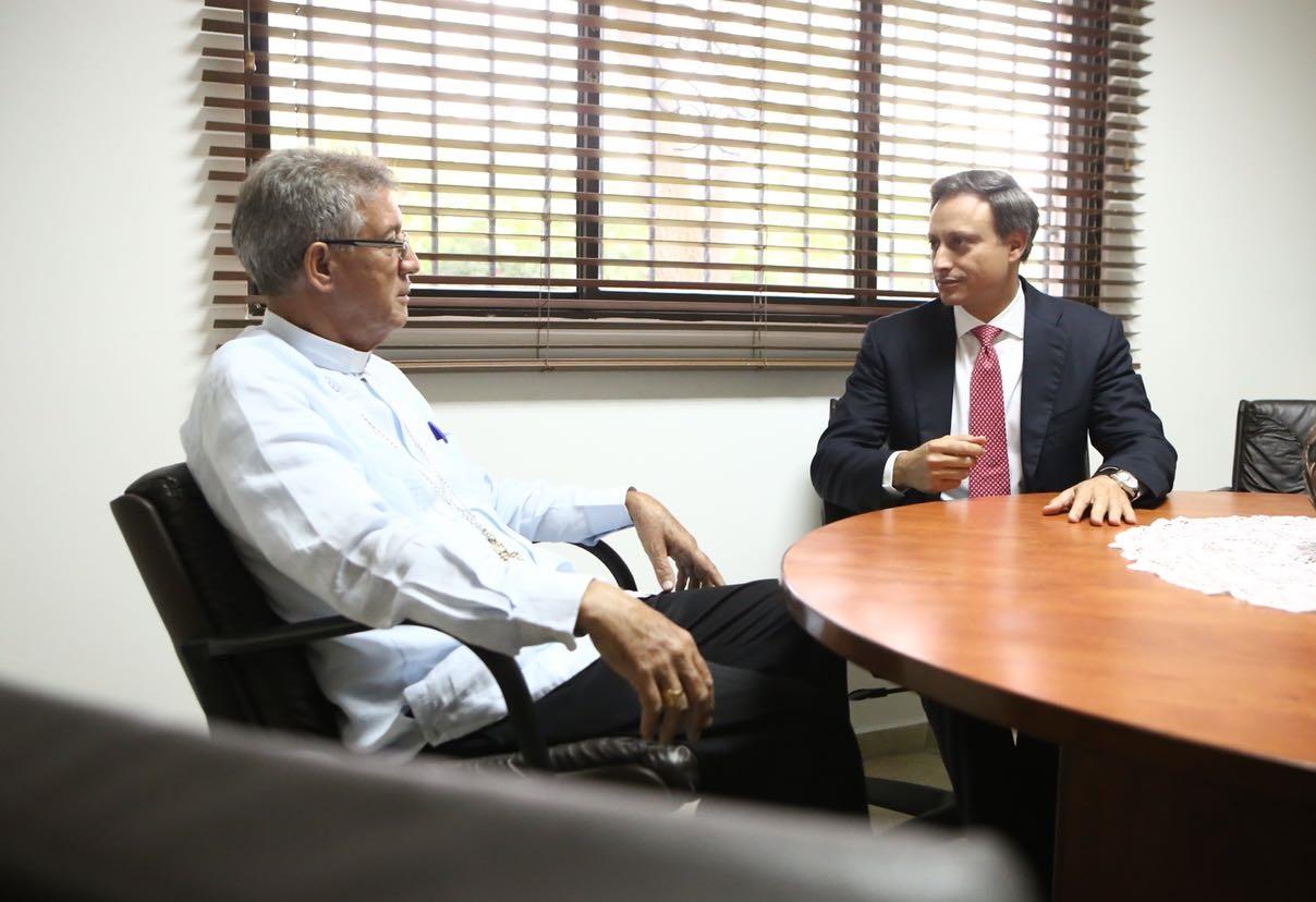 Procurador sostiene encuentro con el presidente de la Conferencia del Episcopado Dominicano