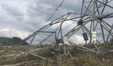 Un atentado contra torre deja sin energía a unas 270.000 personas en Colombia