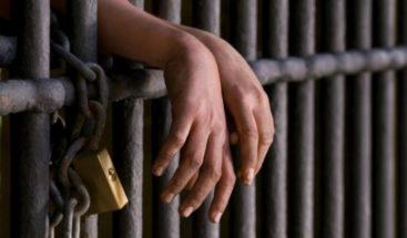 30 años de cárcel a acusado de asesinar joven en colmado de la avenida Independencia