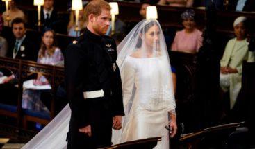 El príncipe Enrique y Meghan Markle salen de la iglesia como duques de Sussex