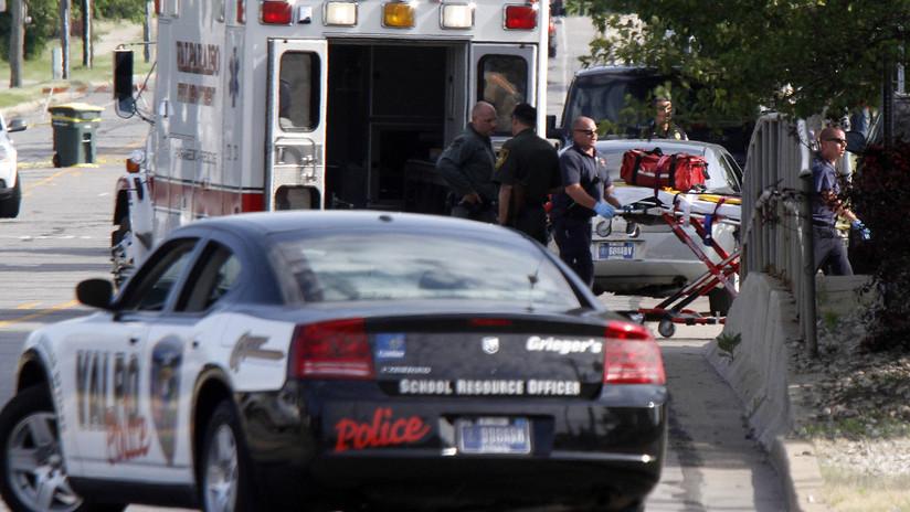 Dos personas en estado crítico tras un tiroteo en una escuela de Indiana