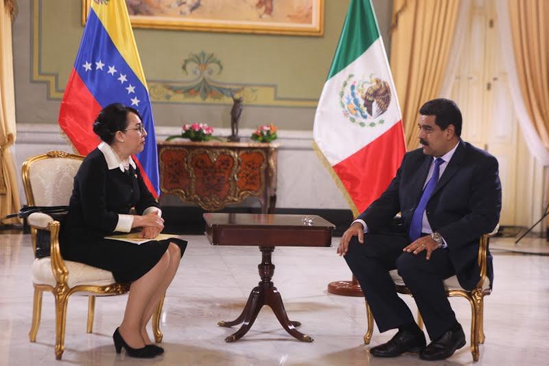 México reduce relaciones con Venezuela y llama a consultas a su embajadora