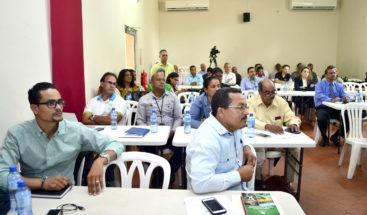 Ministro de Medio Ambiente traza líneas de acción para preservar áreas protegidas