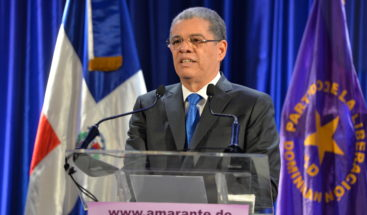 Amarante Baret dimite a su cargo de ministro; lanza precandidatura presidencial en el PLD