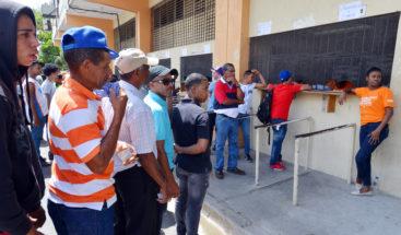 MOPC paga montos atrasados a jornaleros y obreros