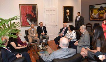 Eduardo Selman asume el Ministerio Cultura y solicita la colaboración de su personal