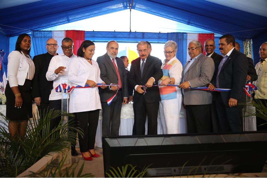Presidente Medina inaugura Hospital Rosa Duarte de Elías Piña