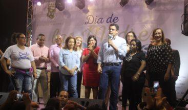 Alcalde de la capital encabeza homenaje a las madres en su Día