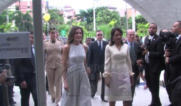 Reina de España se conmueve por la dulce voz de un niño autista