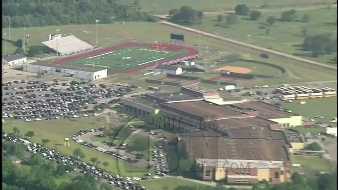 Detienen a sospechoso de un tiroteo que deja heridos en un instituto de Texas