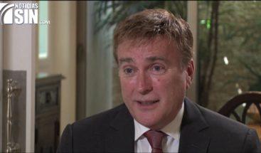 La gestión controversial de James Brewster como embajador de EEUU