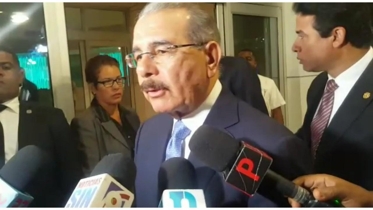 Dan de alta al padre del presidente Medina