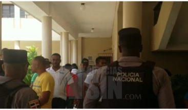 Tres meses prisión preventiva a acusados de atracar una banca en Espaillat