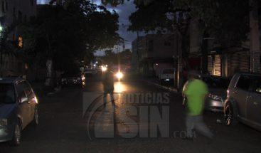 Residentes en Villa Juana denuncian que tiene más de 72 horas sin energía eléctrica
