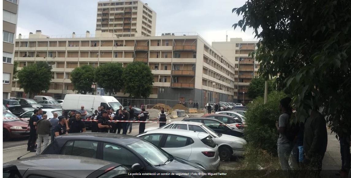 Un grupo enmascarado abre fuego contra jóvenes en Marsella