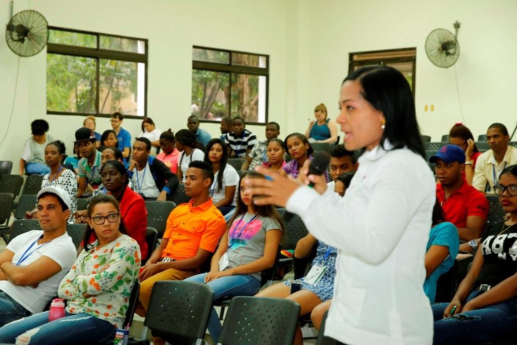 Apoyan empleos para jóvenes y desarrollo de pymes