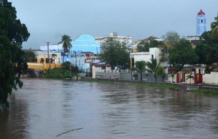 Más de 5.000 evacuados en Cuba por lluvias asociadas a la tormenta Alberto