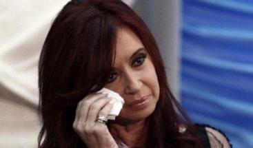 Juez procesa a Cristina Fernández y sus hijos por presunto lavado de dinero