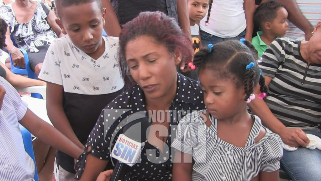 Dan último adiós a estudiante muerto supuestamente por conflicto de tierra en Las Yayas