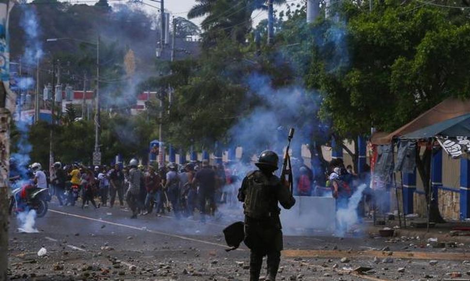 Diálogo no avanza en Nicaragua y protestas dejan otro muerto y más heridos
