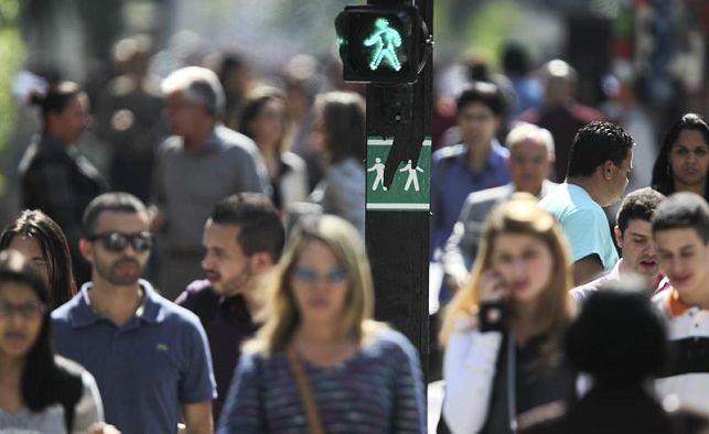 Número de brasileños desempleados y subempleados llega a 27,7 millones