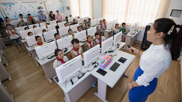 Cámaras avanzadas detectan si alumnos en una escuela china están distraídos