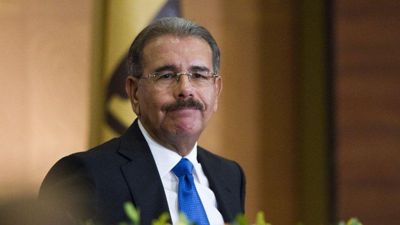 Presidente Medina vuelve a visitar a su padre ingresado en CEDIMAT