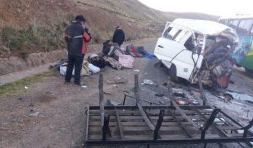 Al menos ocho muertos y diez heridos en un accidente de tráfico en Bolivia