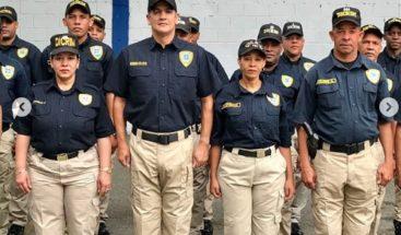EL cantante Eddy Herrera es policía por un día