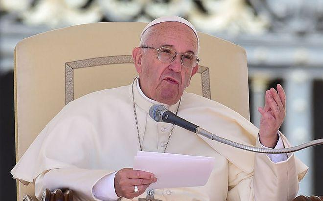 Papa dice sobre matrimonio que a veces es mejor separarse y evitar la guerra