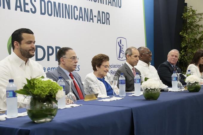 AES Dominicana y Asociación Dominicana de Rehabilitación inauguran Centro Comunitario