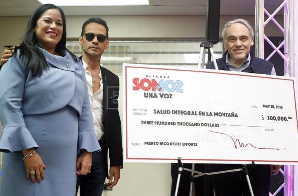 Marc Anthony entrega a P.Rico unidad pediátrica para afectados por huracán
