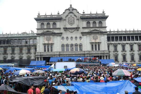Maestros abandonan Plaza y reiniciarán clases el próximo lunes en Guatemala