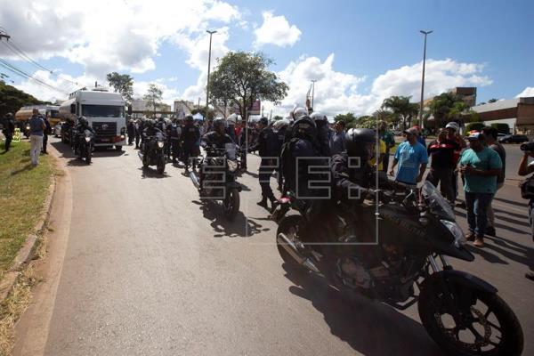 Brasil camina hacia el caos por huelga de camioneros y Temer convoca Ejército