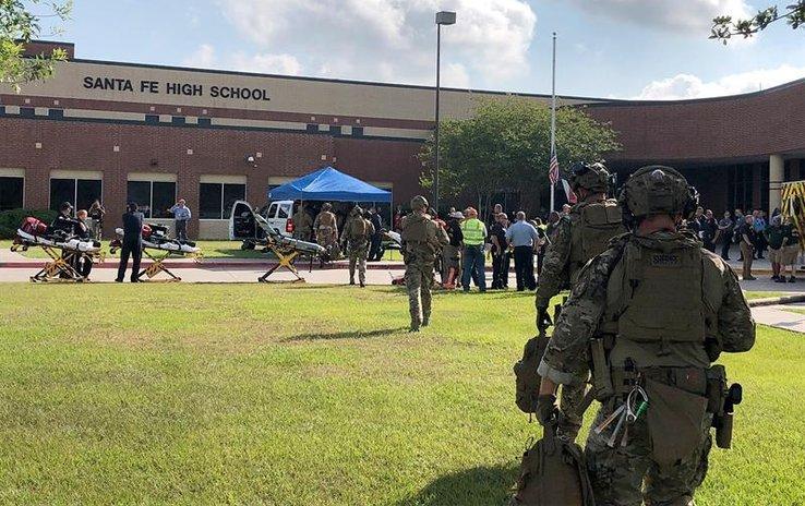 Aumentan los heridos y las dudas en torno al tiroteo escolar de Texas