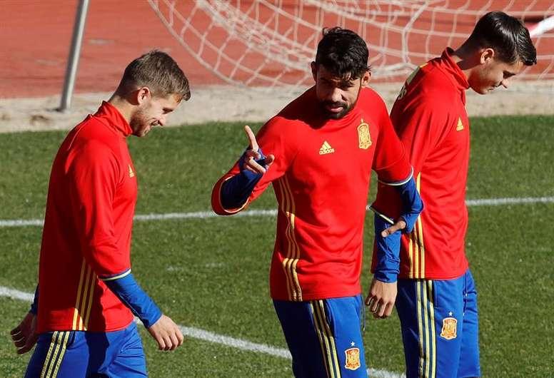 Monreal entra en la lista de 23 y se quedan fuera Morata y Vitolo