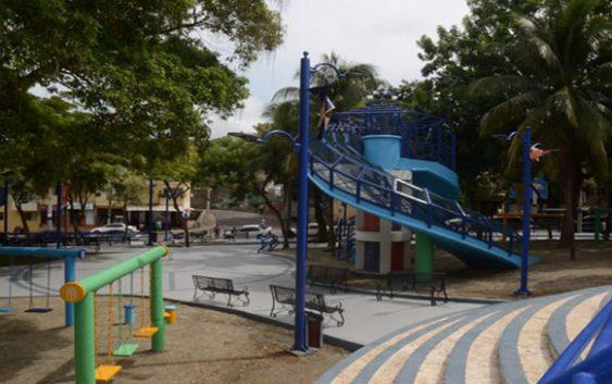 Ayuntamiento del DN inicia remozamiento de parque en el sector Los Prados