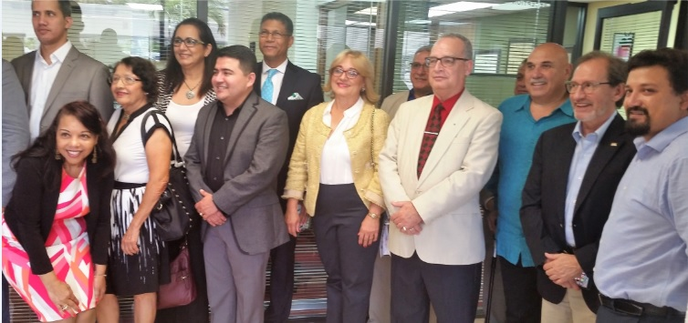 Intelectuales y catedráticos instan a jóvenes hispanos en FL al estudio de Ciencias Políticas