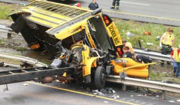 Al menos dos muertos y 45 heridos en accidente de bus escolar en EE.UU.