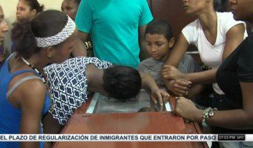 Velan restos de tres personas asesinadas en SDE tras discusión por parqueo