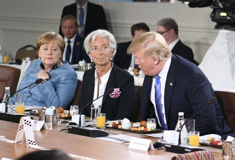 Merkel califica de