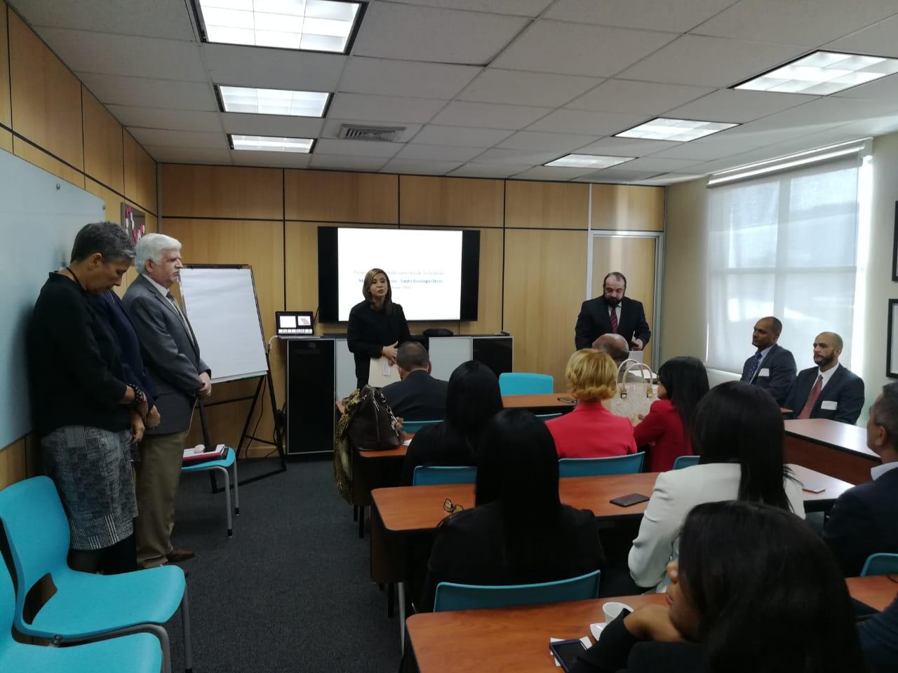 Fiscales de Santo Domingo Oeste reciben capacitación para fortalecer procesos de investigación